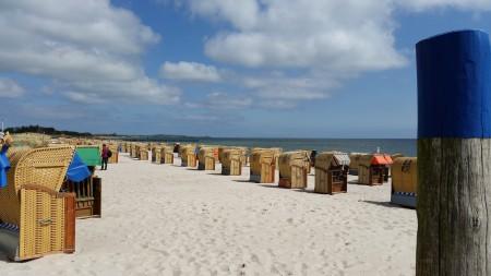 beach-1002512_1920