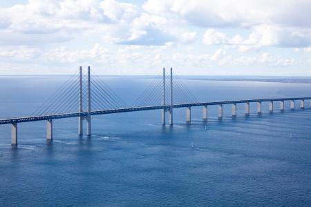 the-oresund-bridge-1151154_1280